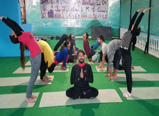 best 200 Hour YTT Course in Rishikesh